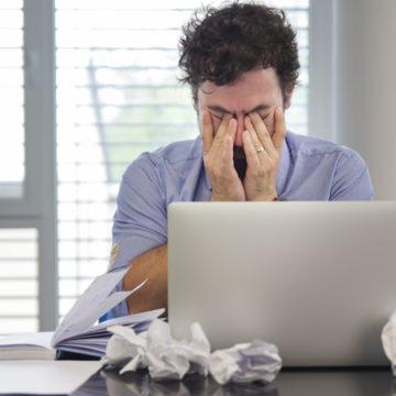 Stress sul lavoro, quando troppo è troppo, anche per i colletti bianchi