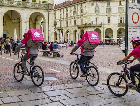 La terza via dei riders del food delivery: un po' autonomi, un po' subordinati