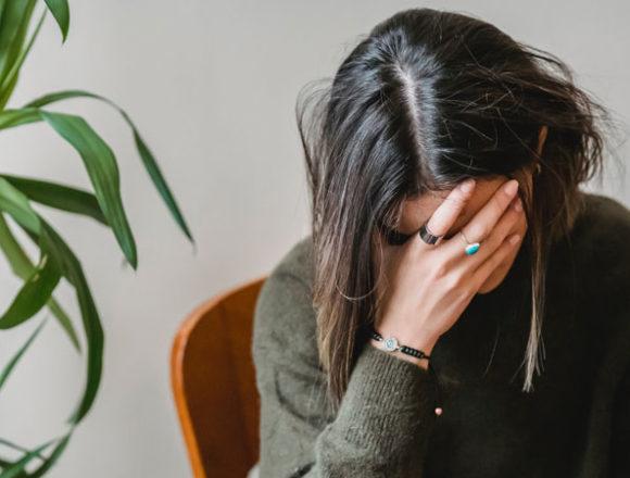 Conciliare lavoro ibrido e sicurezza psicologica: cinque consigli ai manager